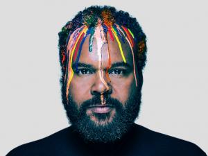 Carlos Jean, el DJ español Nº1 en las redes sociales, hará vibrar al Love Music Festival.