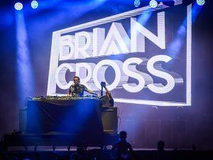 Eltecno más actual de Brian Cross cierra un exitoso IslaBONITALove Festival
